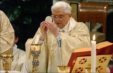 BenedictXVI-Mass