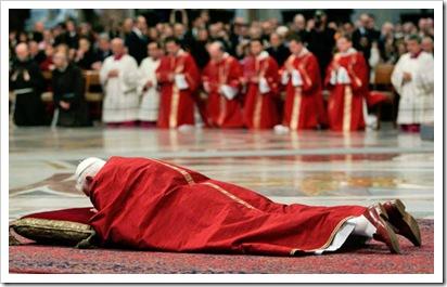 Papa-adoração da Cruz